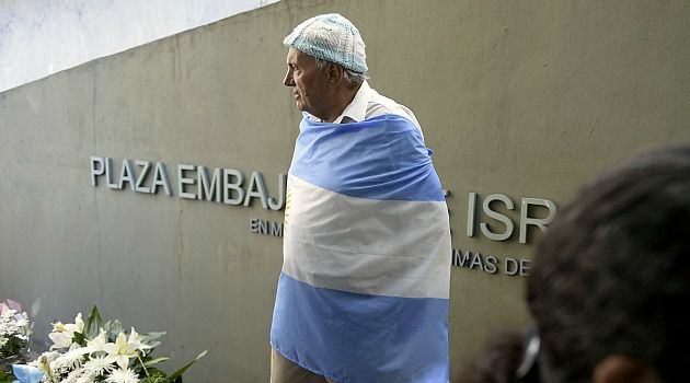 Argentine Jew takes part in vigil on the anniversary of the 1992 attack on the Israeli embassy that killed 29 people.