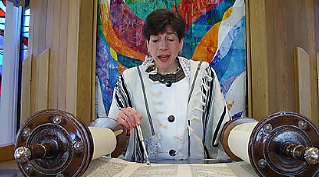 Nobody?s Distraction: Rabbi Julie Schonfeld, one of the Conservative movement?s top leaders, wears a prayer shawl.