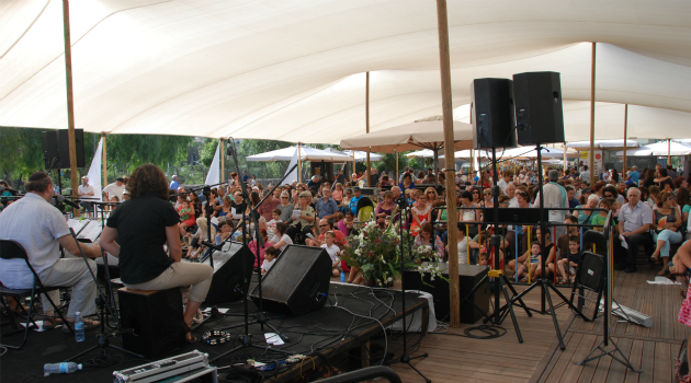 Shabbat in Jerusalem: Hundreds are gathering every week for Kabbalat Shabbat at a new venue in Jerusalem.