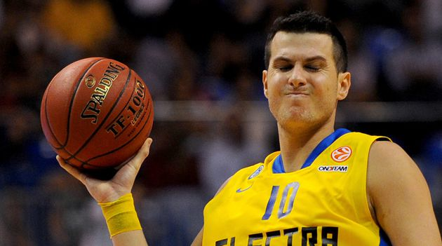 Maccabi Electra?s forward Guy Pnini.