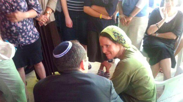 Rachel Fraenkel greets visitors mourning the death of her kidnapped son, Naftali.