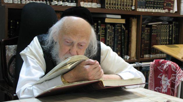 Rabbi Yosef Shalom Elyashiv in 2010.