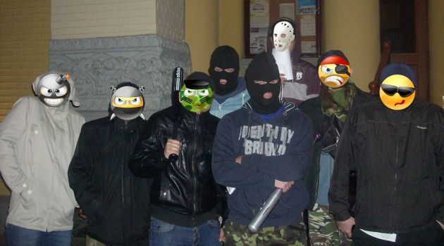 Masked Jews preparing to mount self-defense patrols in Kiev.