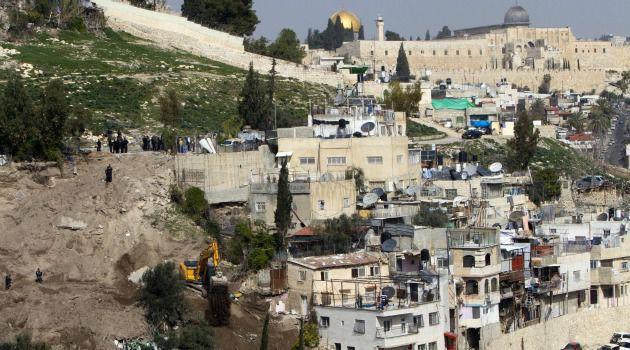 Street by Street Fight: Israeli authorities bulldoze Palestinian homes in the SIlwan neighborhood in Arab East Jerusalem.