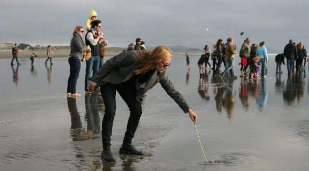 Low Tide: Reboot, which receives support from the Bronfman philanthropy, hosts events such as this tashlich for Rosh Hashanah at Open Beach, San Francisco.