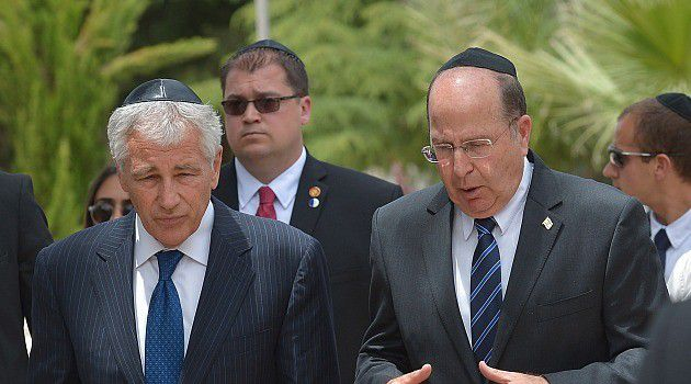 Israeli defense minister Moshe Yaalon, right, chats with Defense Secretary Chuck Hagel during a recent visit.