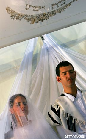 NEW VOWS: Weddings like this in Israel have always ocurred under the authority of the Orthodox chief rabbinate, but that may change.