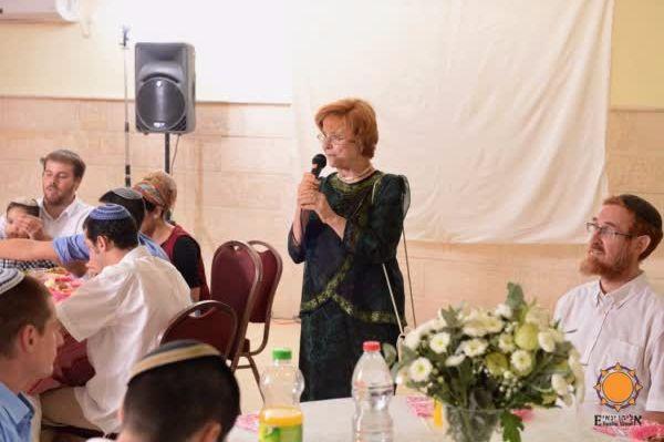 Yehuda Glick's mother, Brenda Glick, with Yehuda Glick at right.
