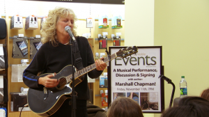Marshall Chapman rocks out at the new Barnes and Noble bookstore.