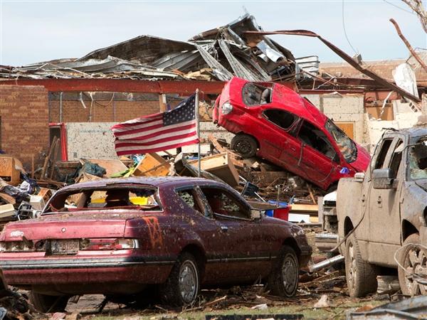 ss 130521 tornado oklahoma tease alt.photoblog600 Nashville crew heads to OKC for NBC