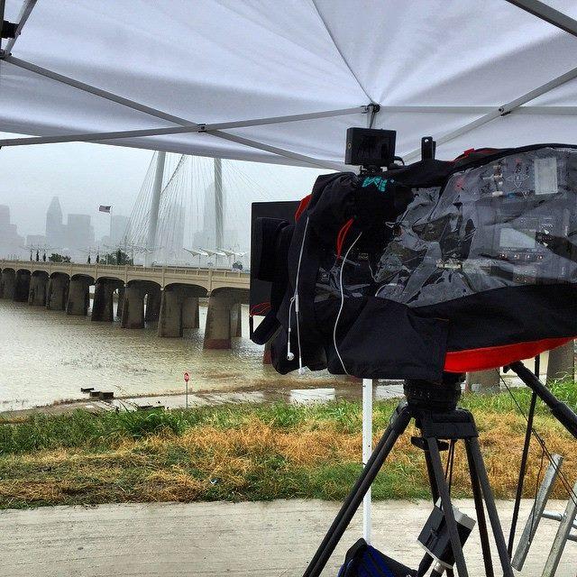 twc 3 Dallas Camera Crew Covers Tropical Storm Bill