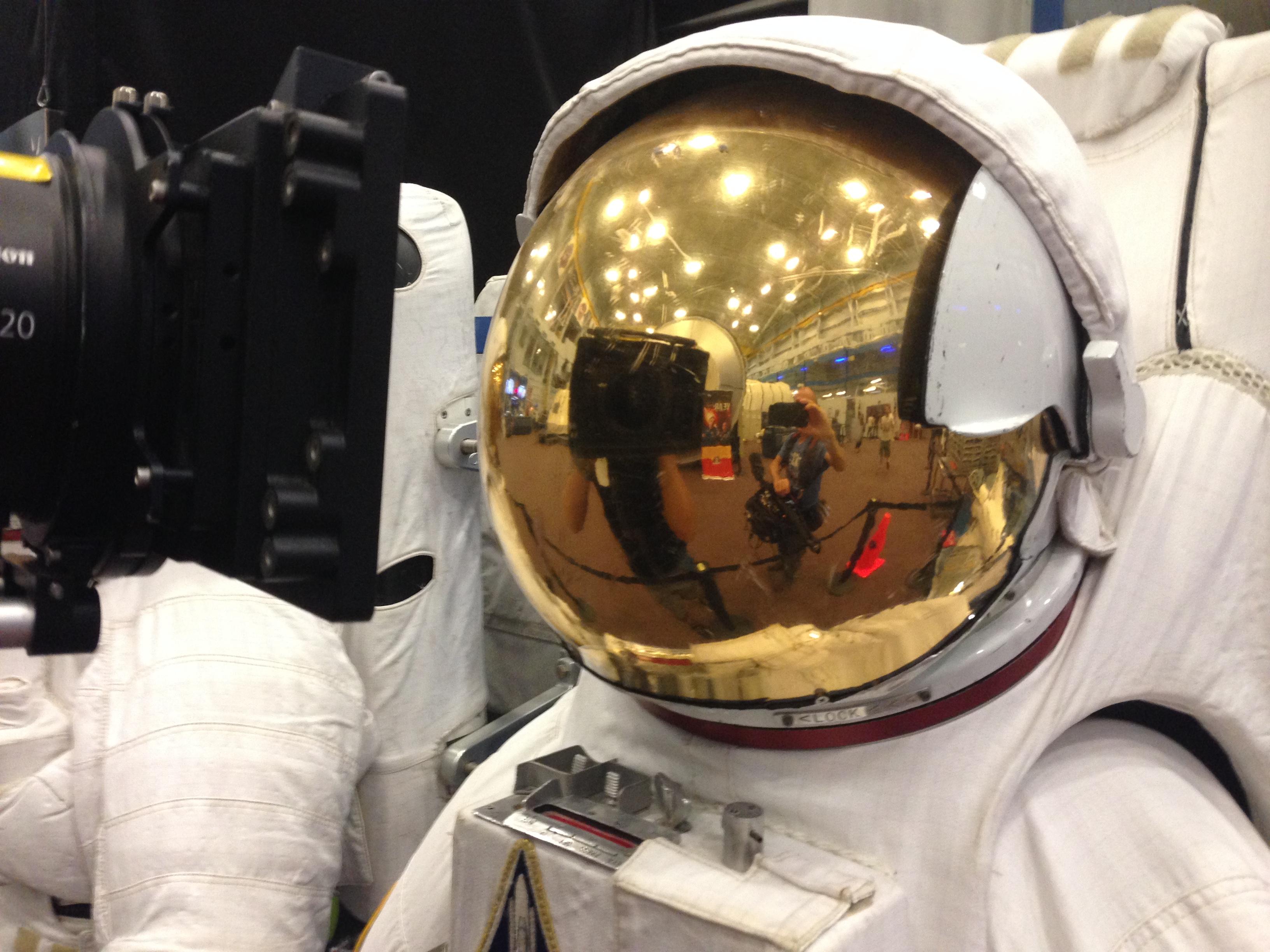 image12 Houston Crew Goes to Mars Yard at NASA