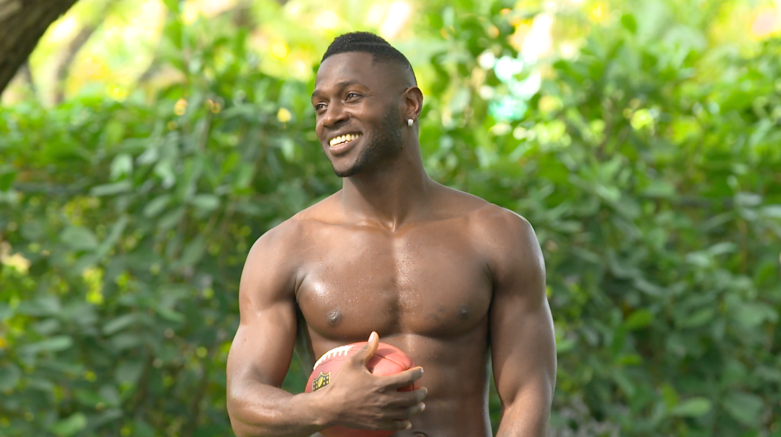 Screen Shot 2016 07 11 at 10.52.39 AM Miami Crew Swims with Antonio Brown for The Body Issue