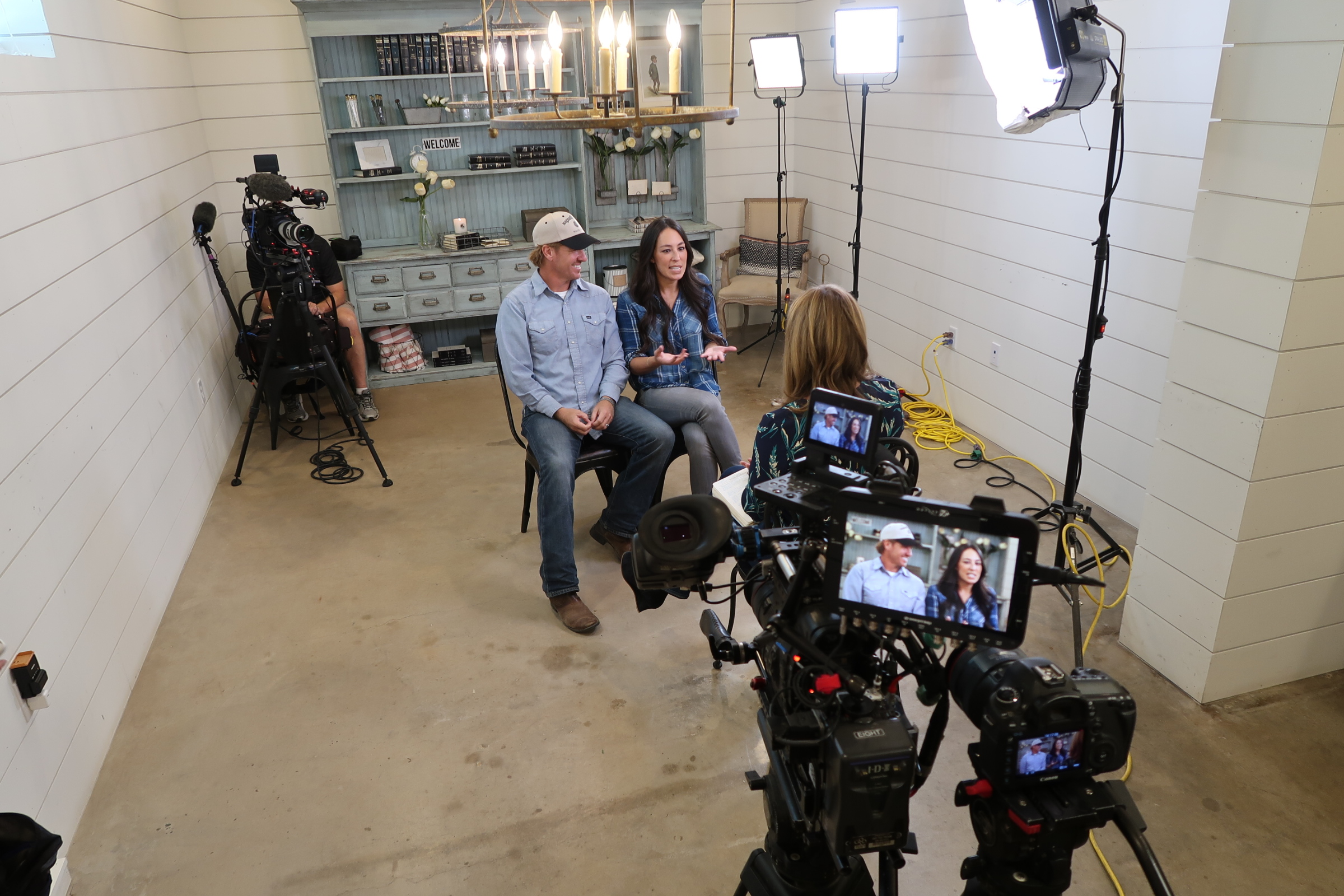image15 Texas Cameraman Reunites with Chip and Joanna Gaines for The Today Show