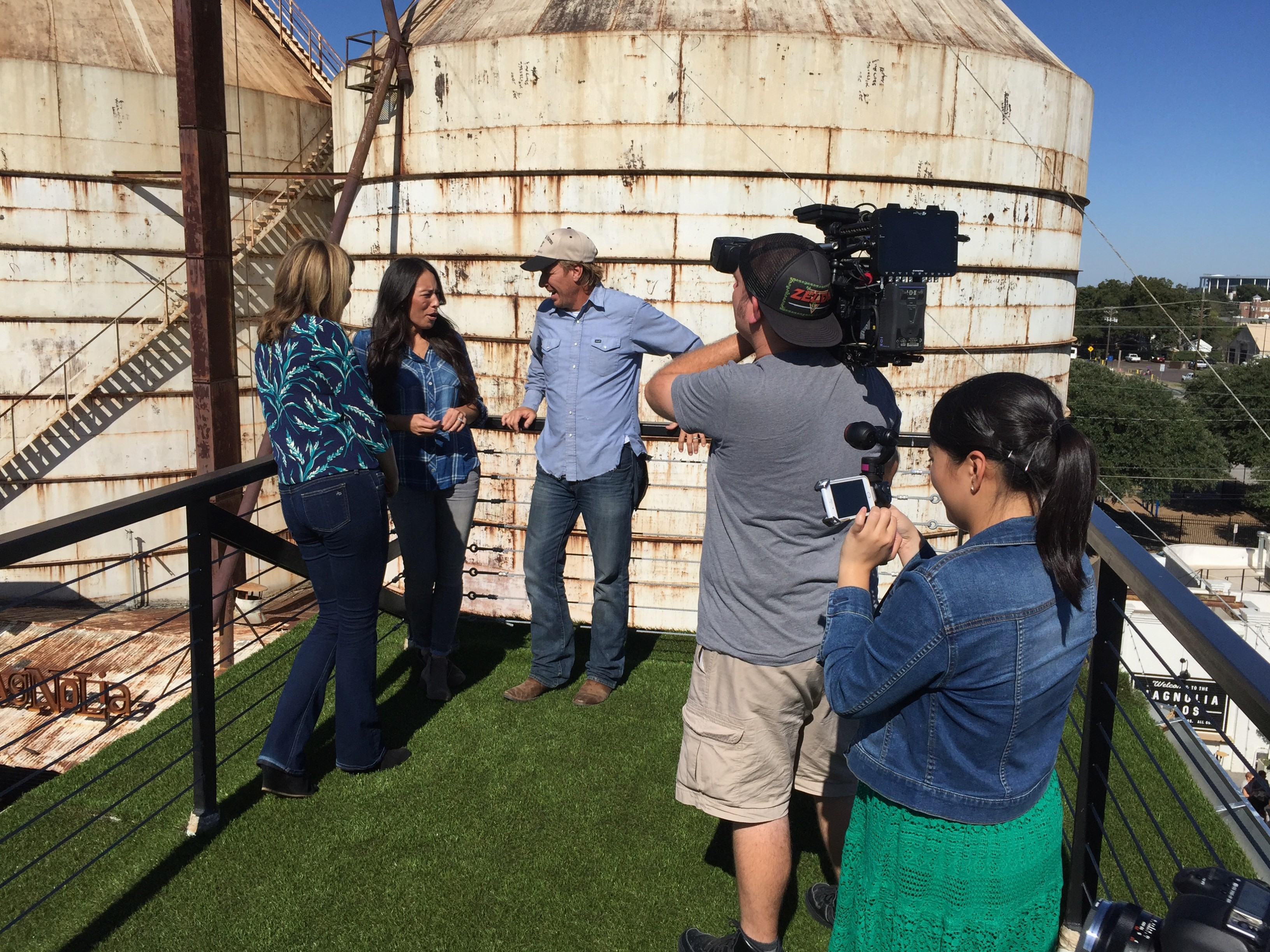 image51 e1476305146399 Texas Cameraman Reunites with Chip and Joanna Gaines for The Today Show