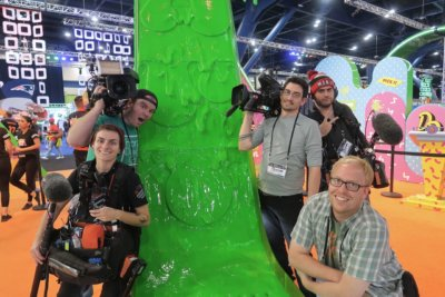 Superbowl slime team  400x267 Crews Spend A Super Slimed Super Bowl Week With Nickelodeon