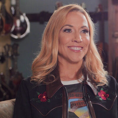 Sheryl Crow 1 Nashville Cameraman Gets Fashion Advice from Sheryl Crow on E! News Shoot