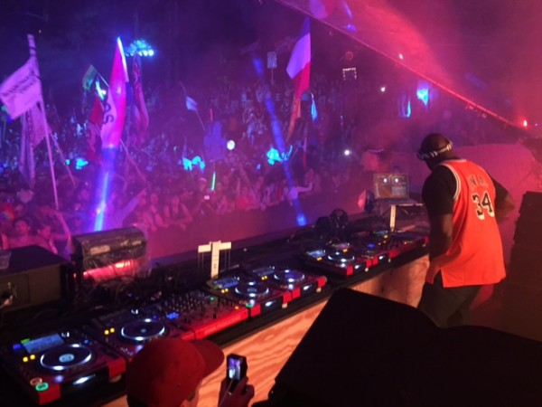 IMG 0692 600x450 Atlanta Crew Jams Out at TomorrowWorld