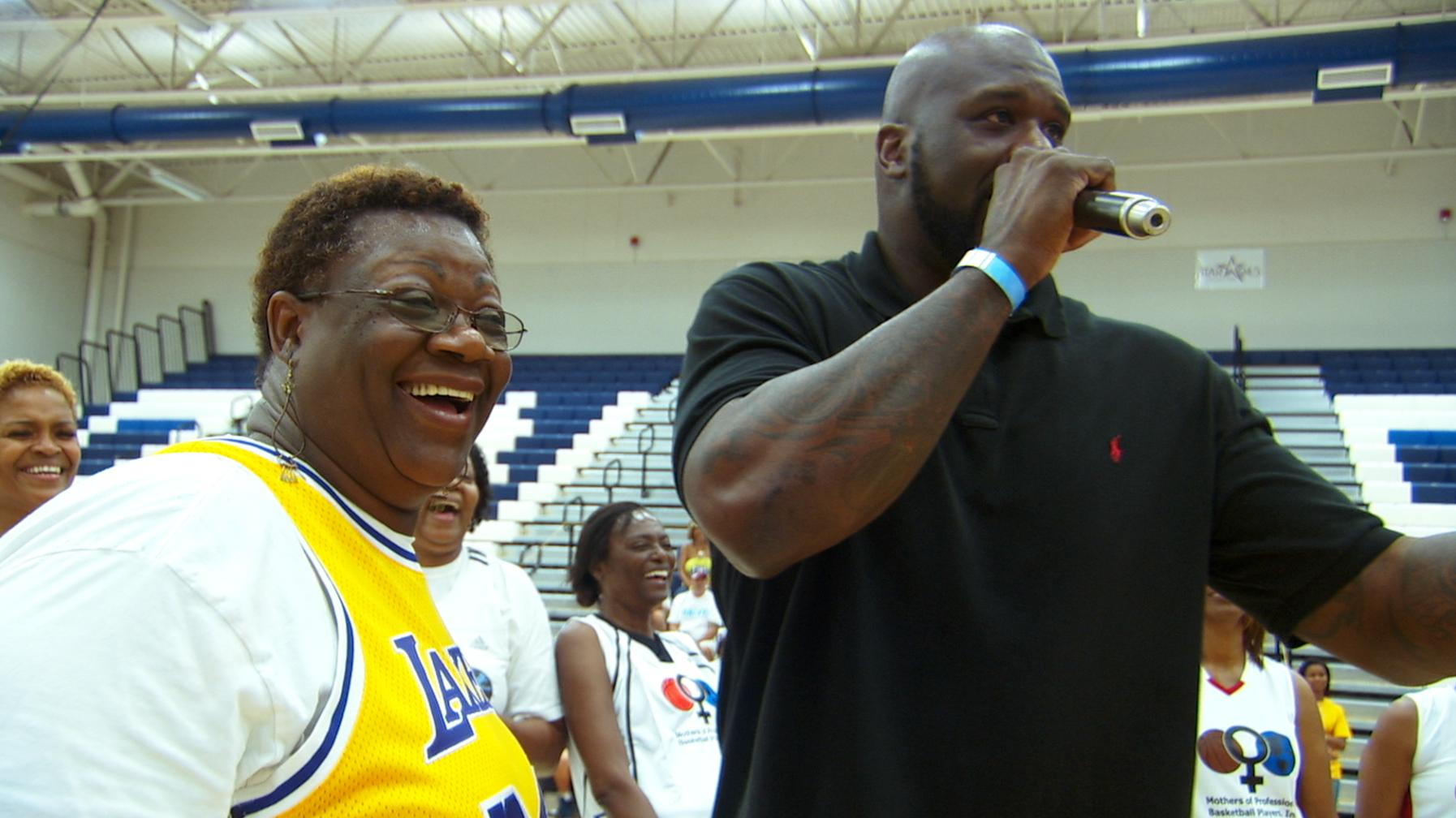image 3 Miami Crew shoots NBA Moms vs NFL Moms in basketball with Shaq!