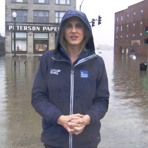 Davenport Flooding 1.2.1 500x500 Go To Team St. Louis Crew   Davenport Levee Breaks