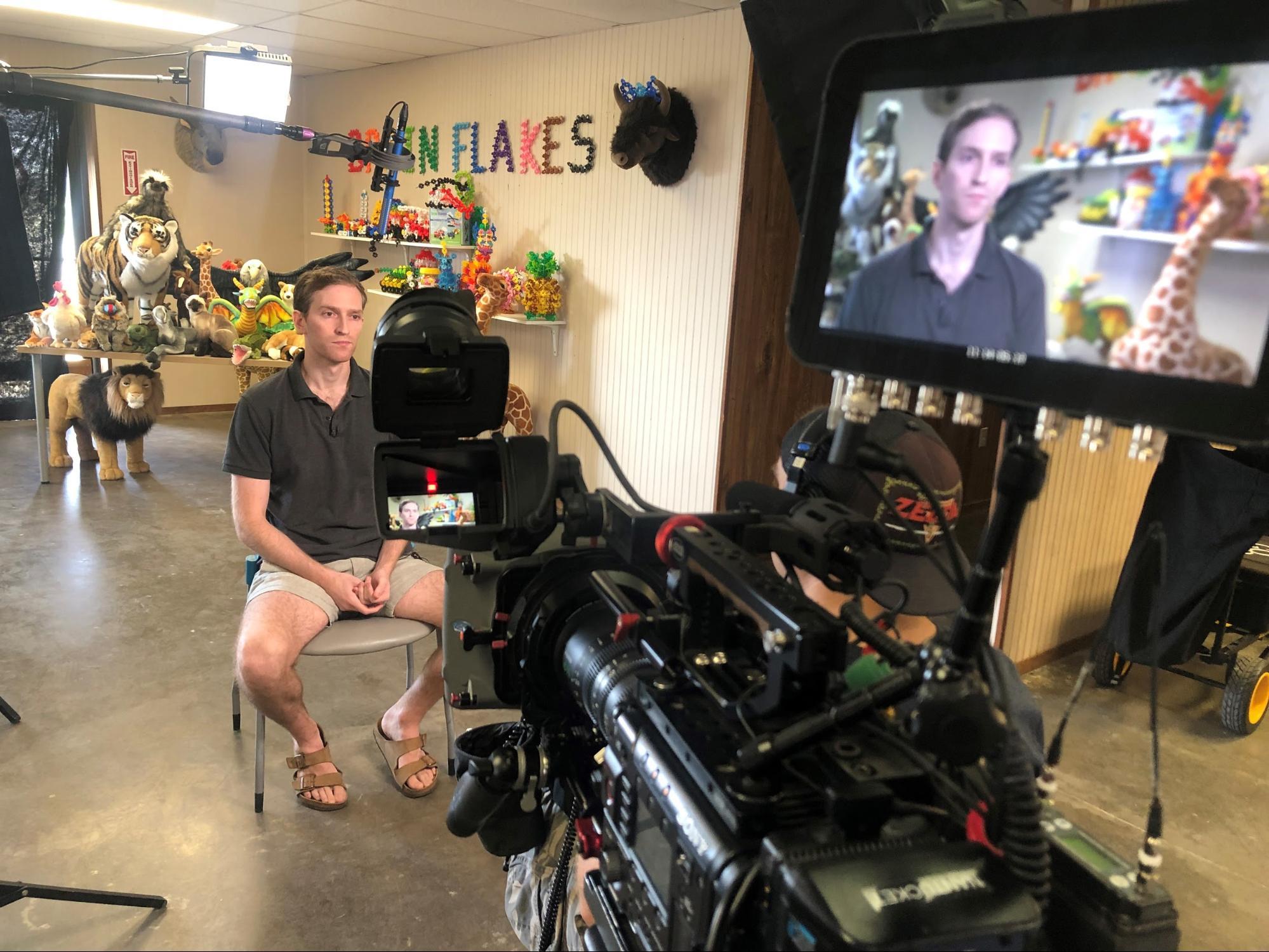 image29 Go To Team Waco Crew | CNBC | VIAHART
