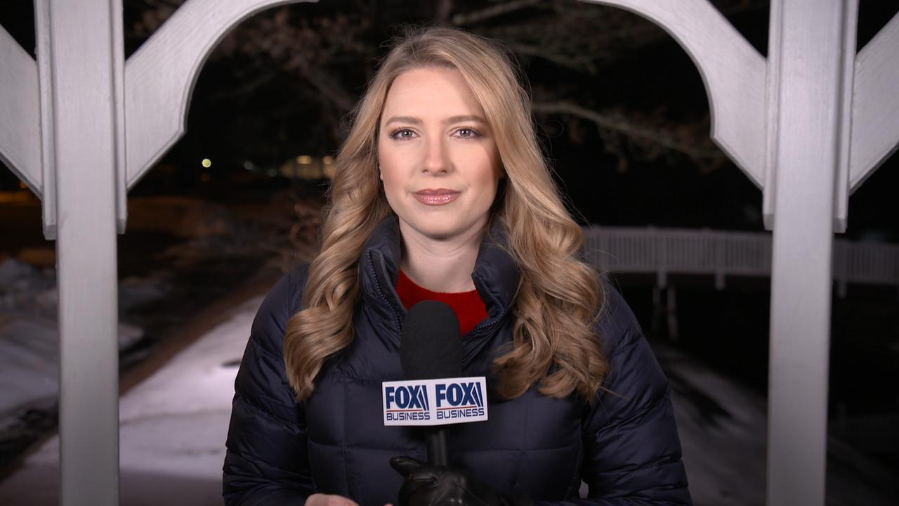 A014C053 200211PS 04594744 Go To Team Boston Crew | Fox News   Debate/Primary Coverage
