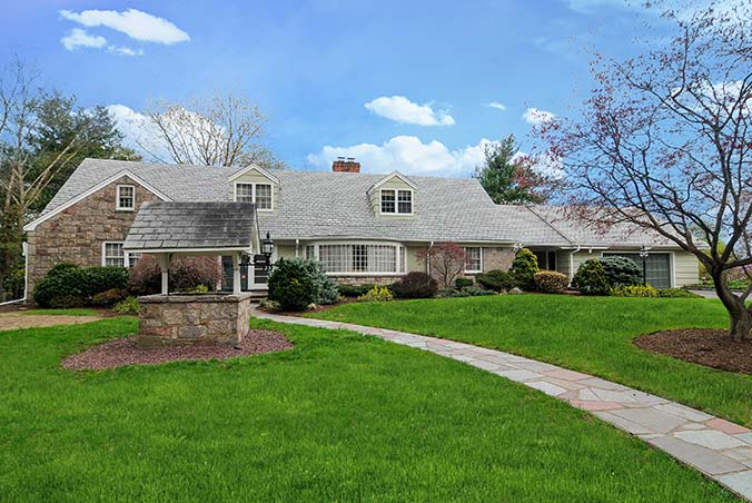 25 Pearl Brook Drive, Clifton, New Jersey