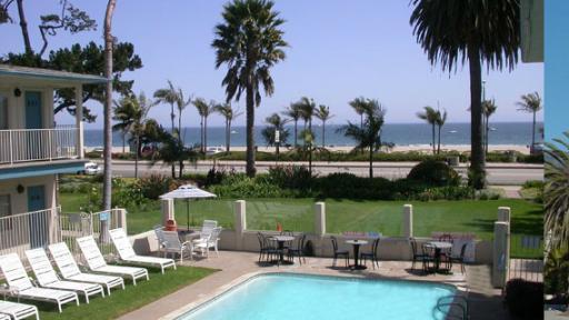 last minute discount at cabrillo inn at the beach santa. Black Bedroom Furniture Sets. Home Design Ideas