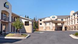 Days Inn & Suites Laurel