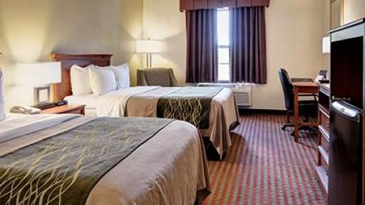 us suites ri or quality middletown comfort hotel image newport hotels comforter whirlpool inn spa
