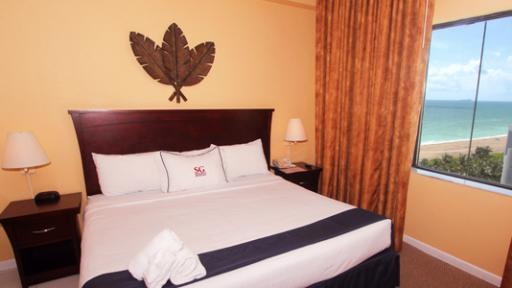 last minute discount at casablanca hotel on the ocean. Black Bedroom Furniture Sets. Home Design Ideas