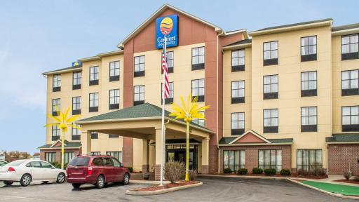 Comfort Inn & Suites, Kent. likes. Hotel. My friend recently had a horrible experience while trying to check in to the room they had reserved/5(67).