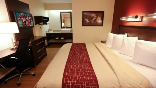 Last Minute Discount at Red Roof Plus Alexandria  HotelCoupons