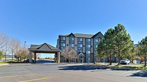 Get Colorado hotel coupons and discounts to save money on hotels in cities located in CO.