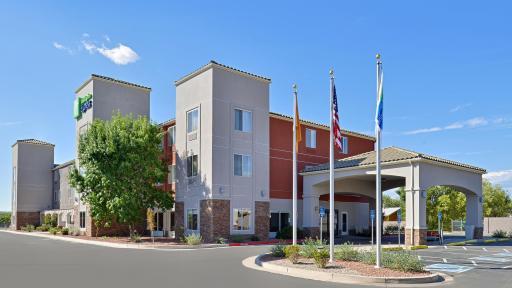 Holiday Inn Express Bernalillo
