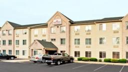 Hawthorn Inn & Suites Lancaster