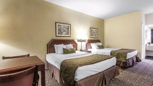 Last minute discount at quality inn johnson city for Roan street motors north johnson city tn