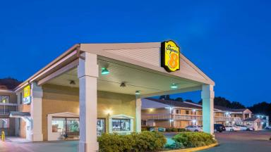 Super 8 Hotel Charlotte
