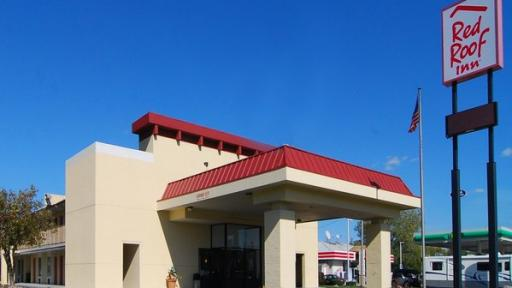 Red Roof Inn remains a favorite of families on the road and business travelers looking for a comfortable, reliable place to stay. Earn more from your stays with this offer for 15% discounted rooms exclusively for Red Roof Inn Nashville.