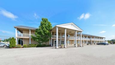 Americas Best Value Inn - Austinburg