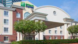 Holiday Inn Express East Brunswick