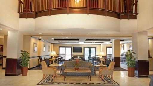 Last Minute Discount At La Quinta Inn  U0026 Suites Mount