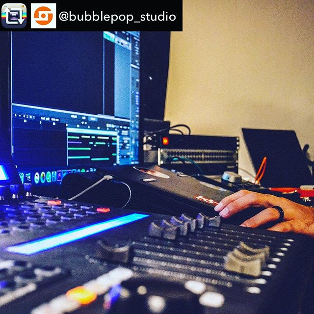 Music you can touch 😎 #QConProX #QConProXS #IconProAudio #MindOnMusicMonday |  Repost from @bubblepop_studio using @RepostRegramApp – LGC#homerecordingstudio #studiorecording #homestudio #bubblepopstudio #wearebpop