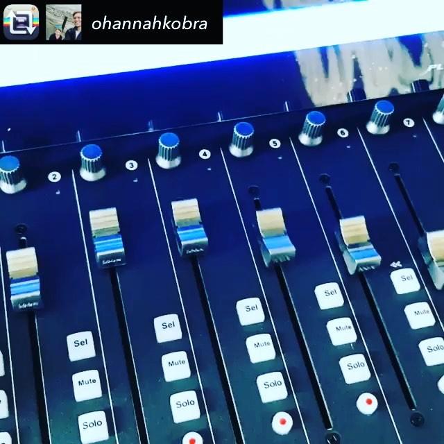 #FaderFriday #homestudio #ItsBeenALongWeek #IconProAudio #PlatformM+ | Repost from @ohannahkobra – All linked up  @iconproaudio #iconproaudio #platformm+