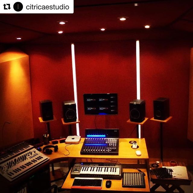 Show us photos of your home studio combined with icon gear just like @citricaestudio did! We love to see those pictures 🤟🏼#iconproaudio #qconprox #producer #homestudio #music #vintage #artistic