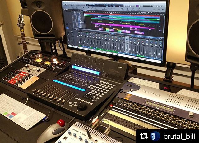 @brutal_bill 's #qConProX fits like a glove..🔈🔉 #dj #musiclife #producer #motivate #inspire #music #iconproaudio