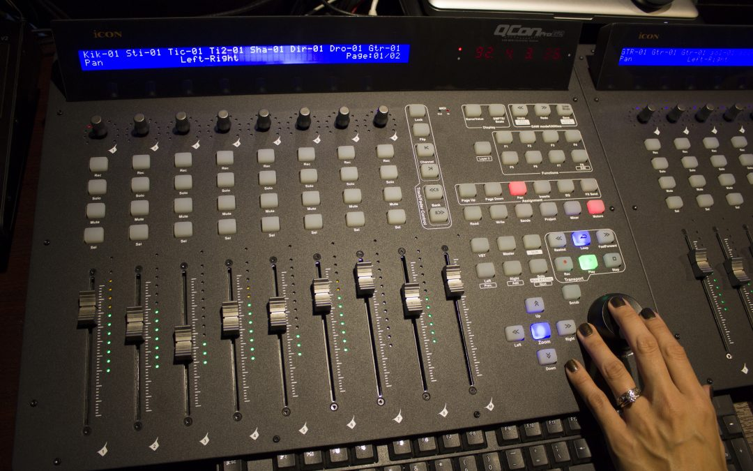 QCon Pro G2 DAW Controller Review by Creative Sauce