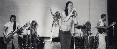 butthole surfers perform live in 1989