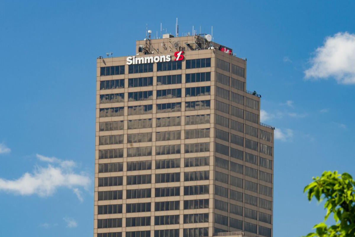 Simmons Bank Brings New Deposits to Pine Bluff