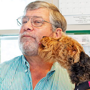 NWA Veterinarians Find Freedom Hitched to Corporate Chains